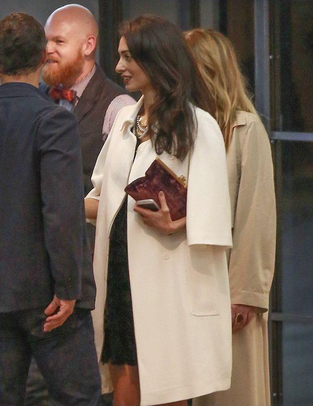 Супруга Джорджа Клуни опровергает информацию о беременности