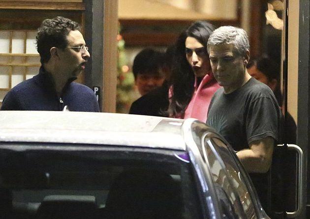 Джордж Клуни балует жену романтическими ужинами