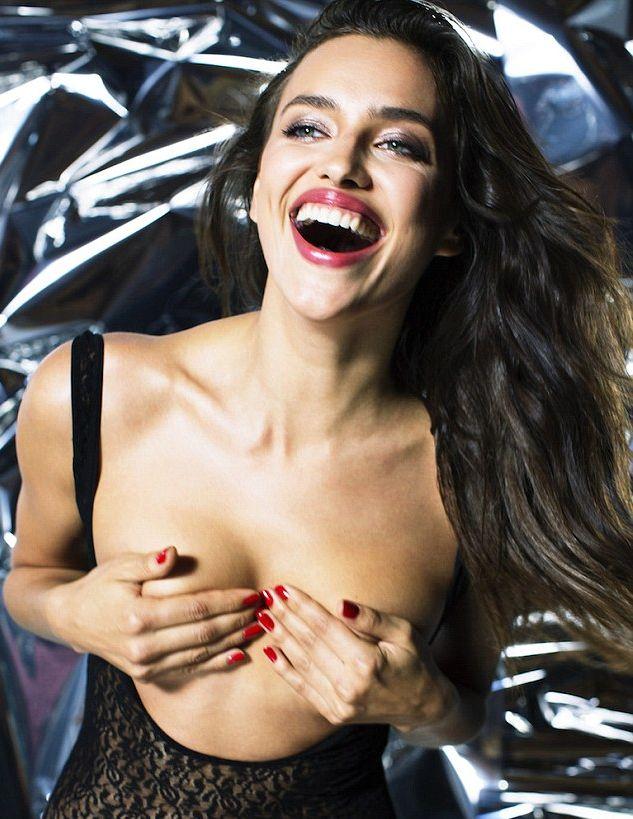 Ирина Шейк обнажилась для журнала Love
