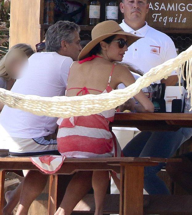 Амаль и Джордж Клуни отпраздновали Рождество с Синди Кроуфорд