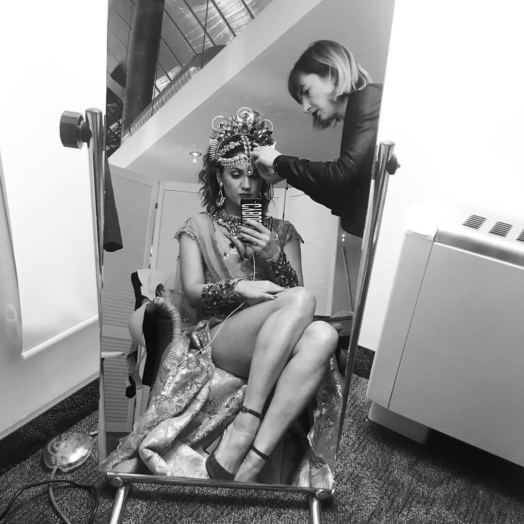 Ох, эти ноги! Молодая мама Ольга Цибульская будоражит сеть снимками в мини