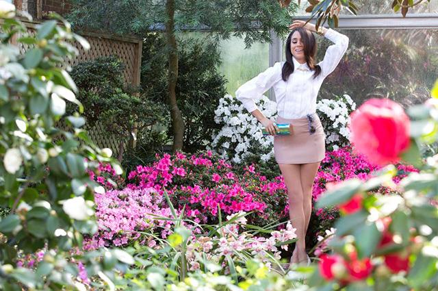 Без нижнего белья и в мини-юбке: Меган Маркл снялась в первой фотосессии после начала романа с принцем Гарри