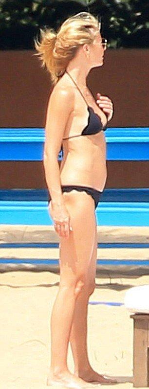 42-летняя Гвинет Пэлтроу показала стройную фигуру в бикини
