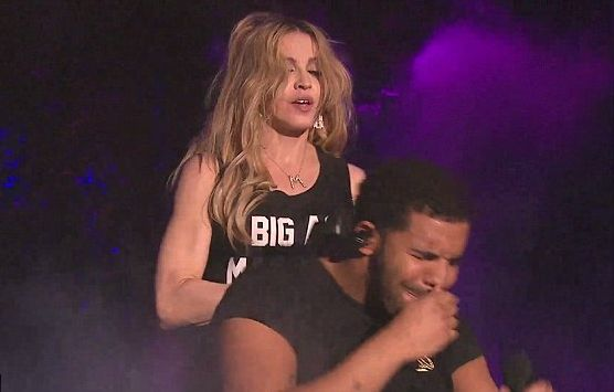 Поцелуй Мадонны и Дрейка взорвал интернет