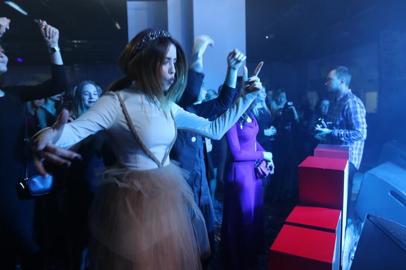 Звездные танцы: Надя Дорофеева, Вика из «Неангелов», Оля Полякова и другие оторвались на Viva! Бал