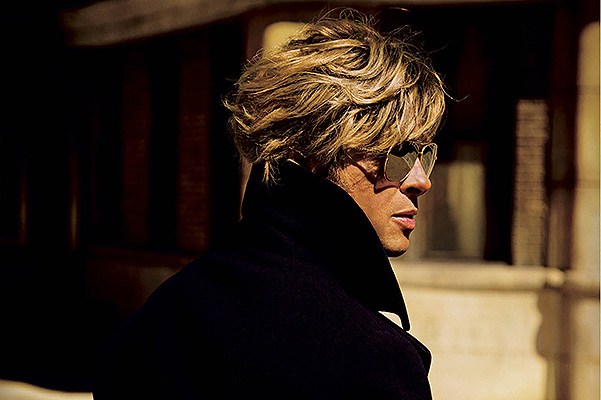 Брэд Питт снялся в провокационной фотосессии для V Magazine