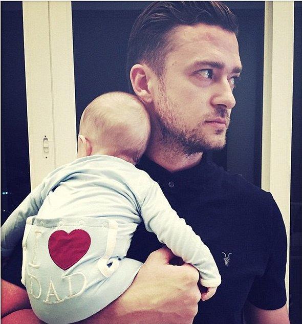 Джастин Тимберлейк показал трогательное фото с двухмесячным сыном