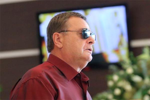 Скандал продолжается: Шепелев написал на отца Фриске заявление в полицию