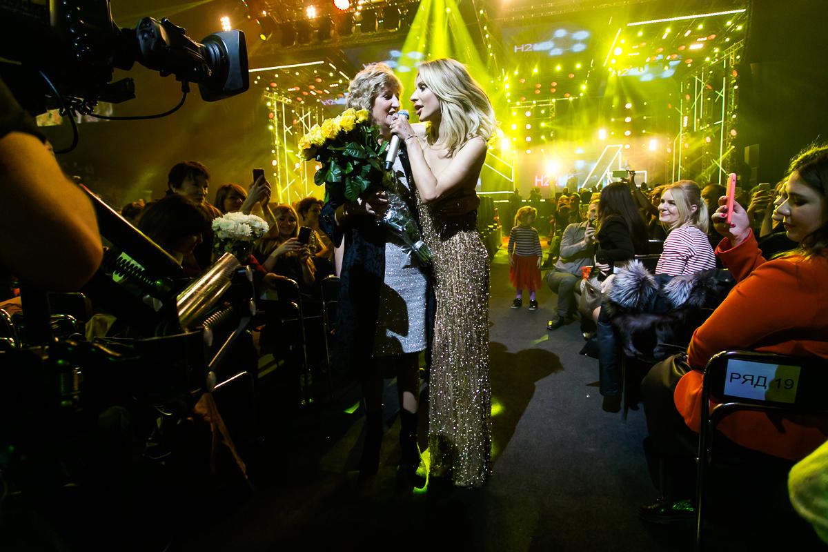 Loboda довела свою маму до слез на сольном концерте