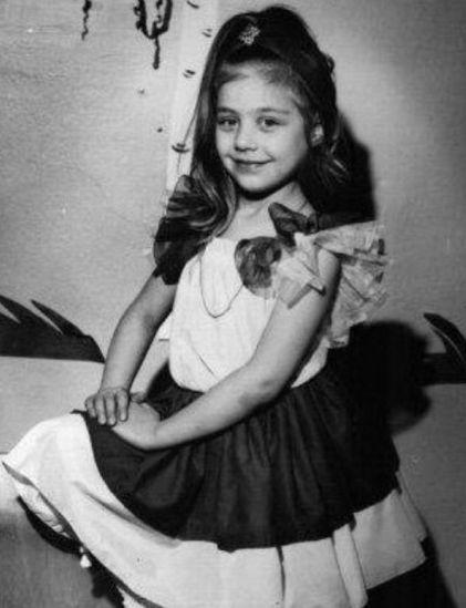 Тина Кароль в детстве