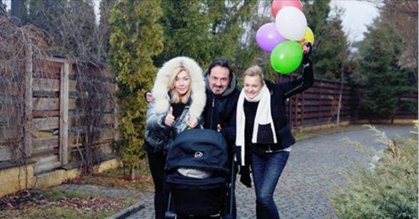 Ирина Билык возит сына в коляске, стоимостью почти 40 тысяч гривен
