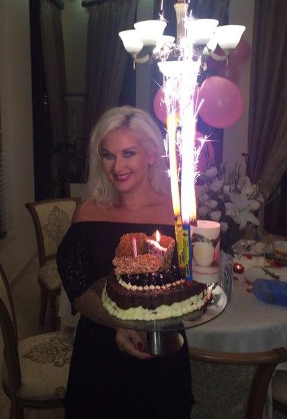Катя Бужинская шикарно отметила 37-летие в компании мужа