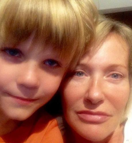 В сети появились редкие фотографии 8-летнего сына Константина Хабенского