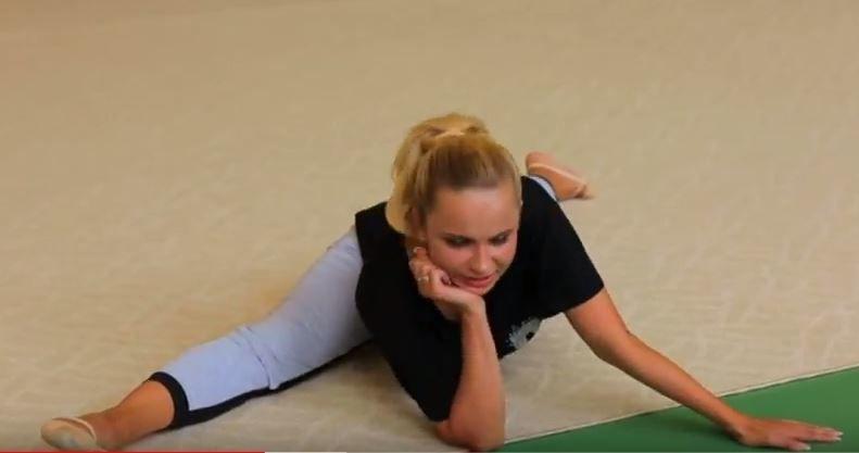Невероятная гибкость! В сеть попали фото Лилии Ребрик с ее гимнастического прошлого