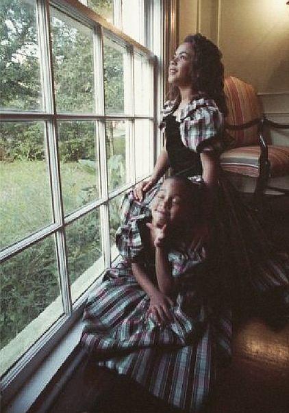 Детские фото Бейонсе и Соланж Ноулз