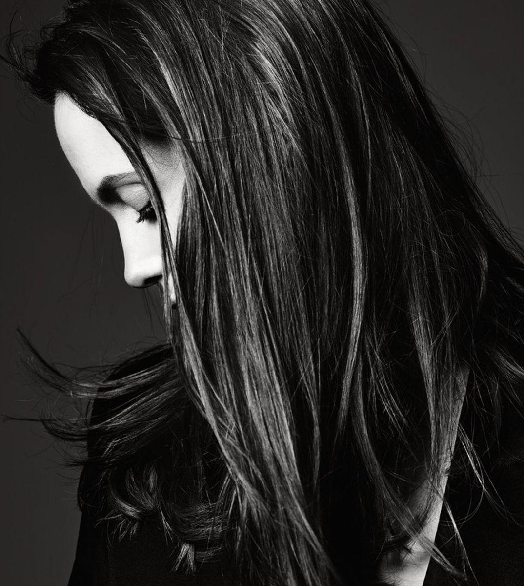 Анджелина Джоли украсила обложку глянца