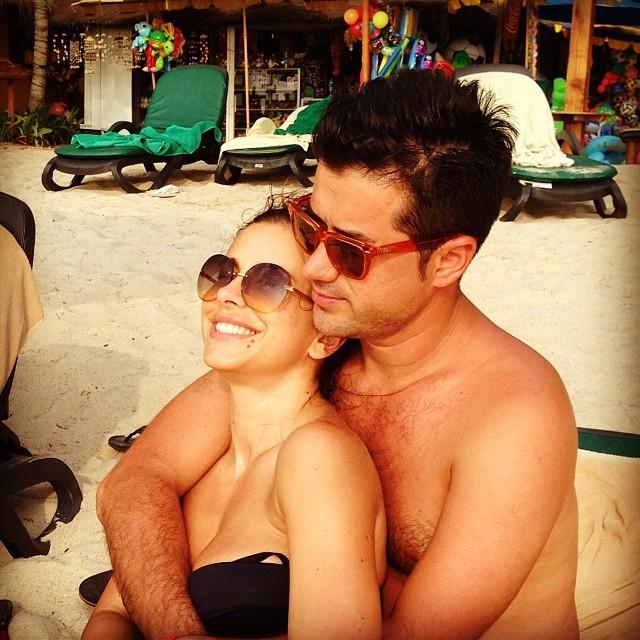 Ани Лорак муж мурат фото на пляже в купальнике 2014