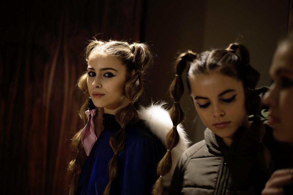 Дочь Веры Брежневой и внучка Софии Ротару вышли на подиум модного показа