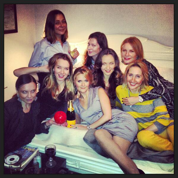 Наталья Шкульева с подругами на блинах у Андрея Малахова март 2013