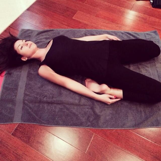 певица Жасмин похудела после родов благодаря йоге фото 2014