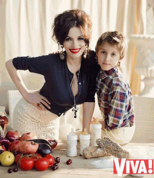 Надежда Мейхер и ее сын Игорь