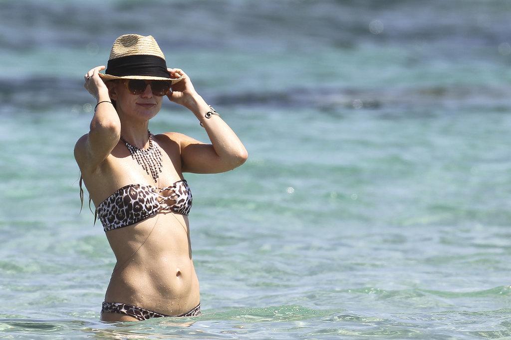 Кейт Хадсон демонстрирует стройную фигуру в бикини
