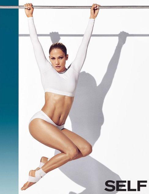 Дженнифер Лопес демонстрирует идеальную фигуру в новом фотосете