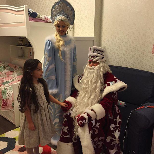 Молодая мама Ксения Бородина поделилась умилительным  семейным снимком