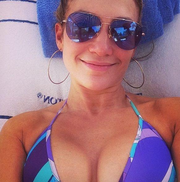 Дженнифер Лопес показала лицо без макияжа
