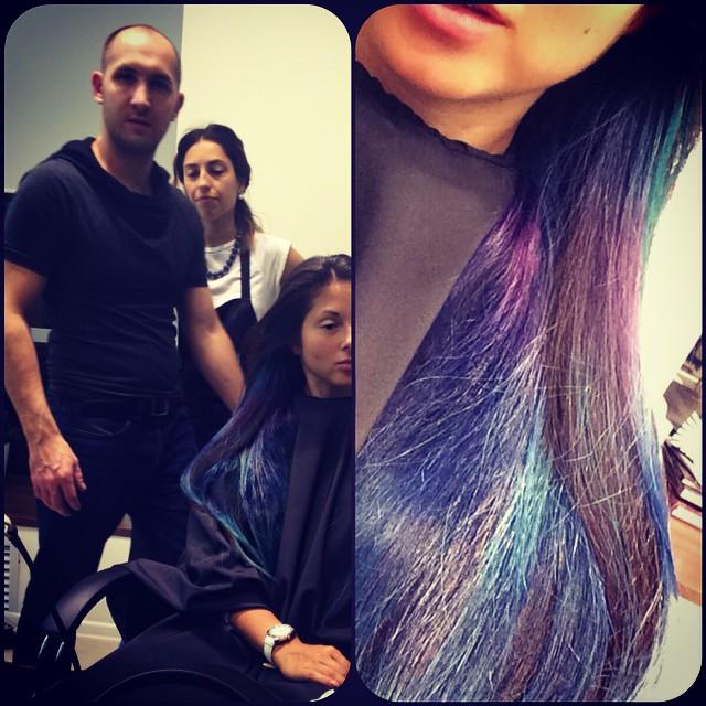 Нюша покрасила волосы в синий цвет