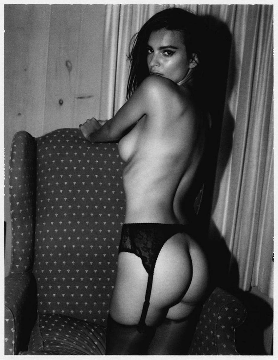 Будет горячо: в Нью-Йорке откроется выставка обнаженных фото Эмили Ратаковски