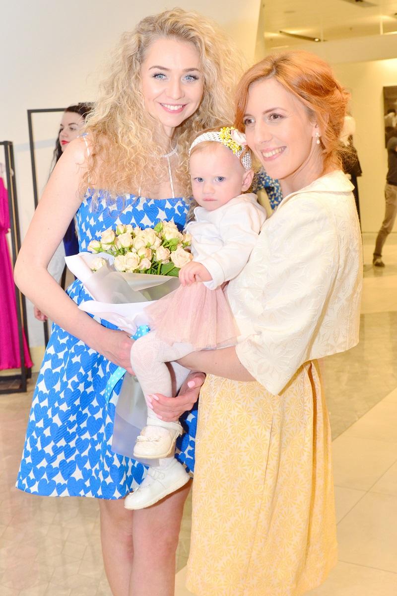 Иллария с мужем и дочерью посетили презентацию Анастасии Ивановой