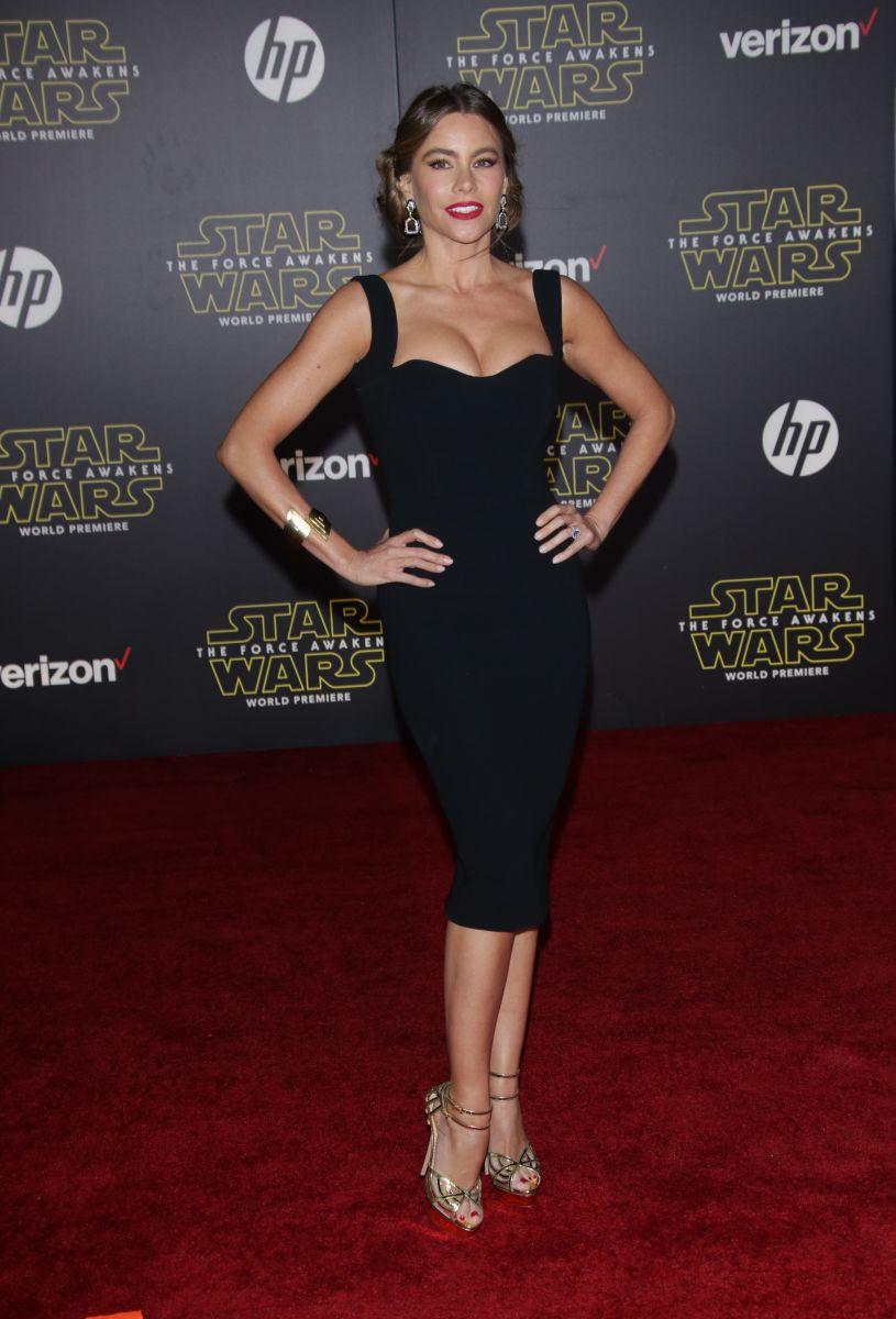 Фото звезд в черном платье