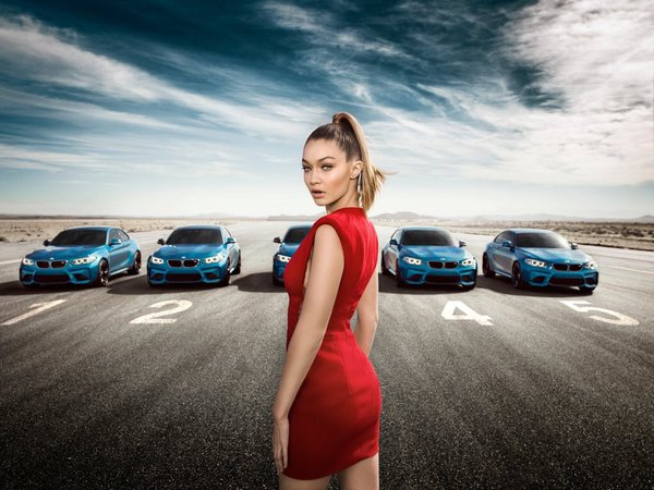 Роковая красотка:  Джиджи Хадид снялась в роскошной рекламе автомобильного бренда