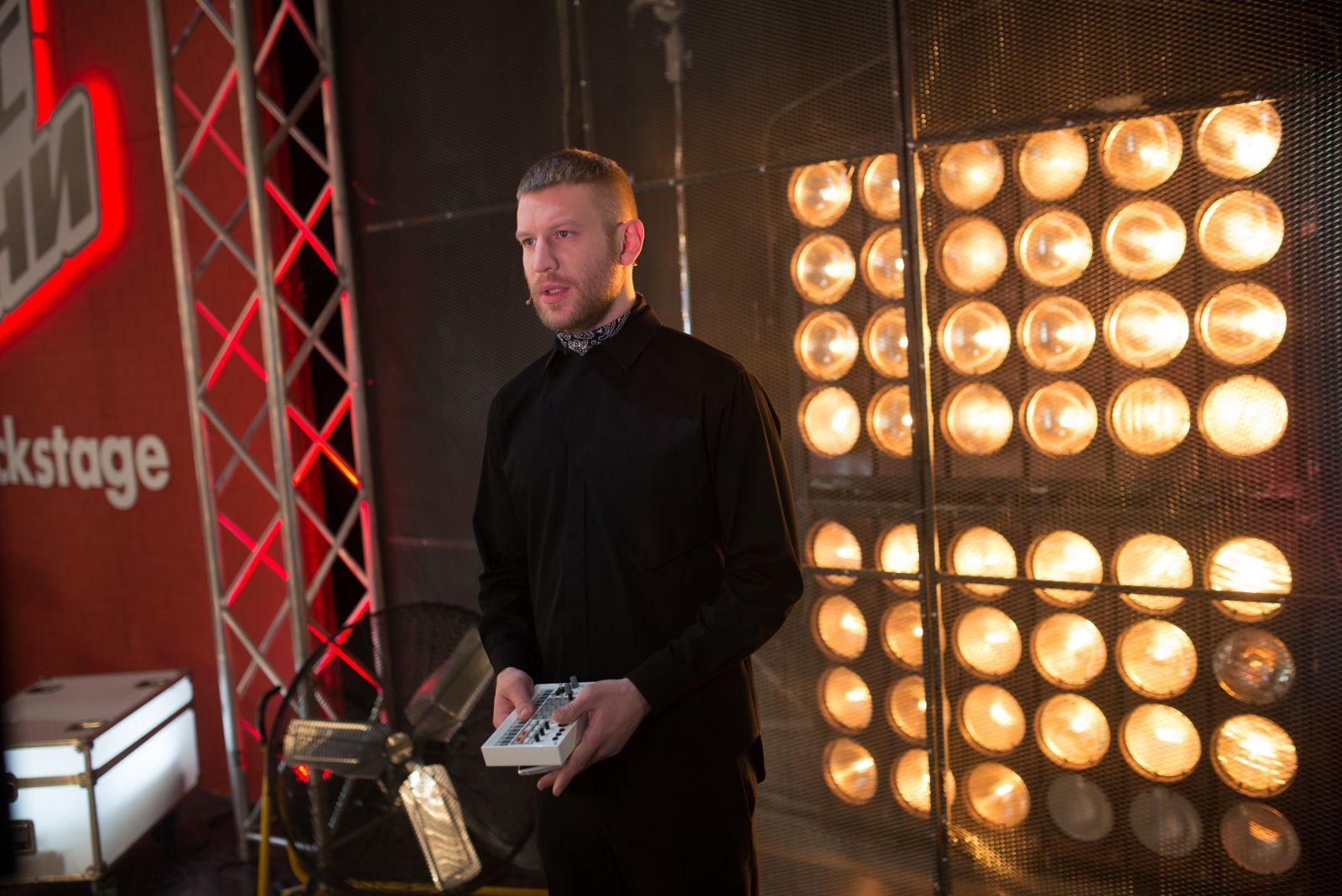 Тренер шоу Голос країни-6 Иван Дорн показал, как пишет свои песни