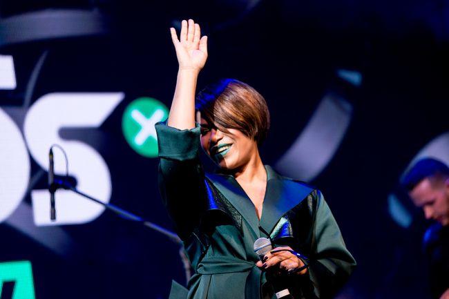 Гайтана удивила новым имиджем на pro-party премии M1 Music Awards