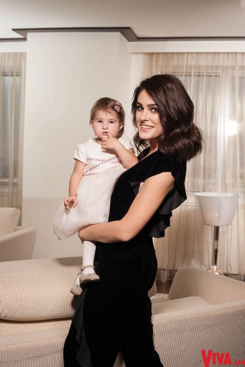 Маша Собко з чоловіком і донькою