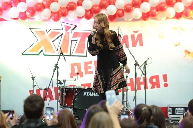 Анна Завальская, Светлана Тарабарова, Дядя Жора: звезды за прилавками магазинов