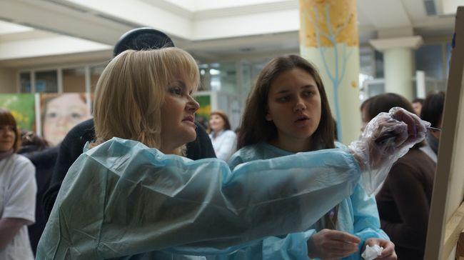 звезды помогают детям с пороком сердца