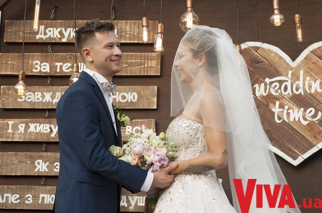 Дмитрий Ступка и Полина Логунова устроили пышную свадьбу под Киевом