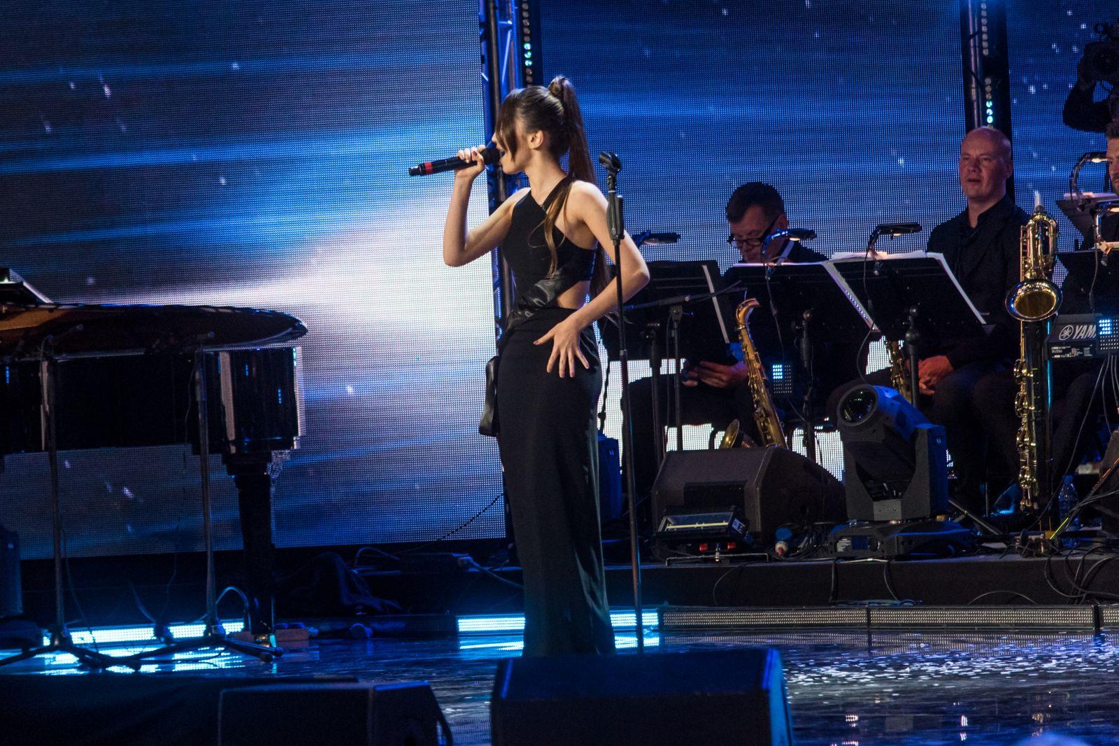 Украинская певица DiAna стала открытием фестиваля Лаймы Вайкуле в Юрмале