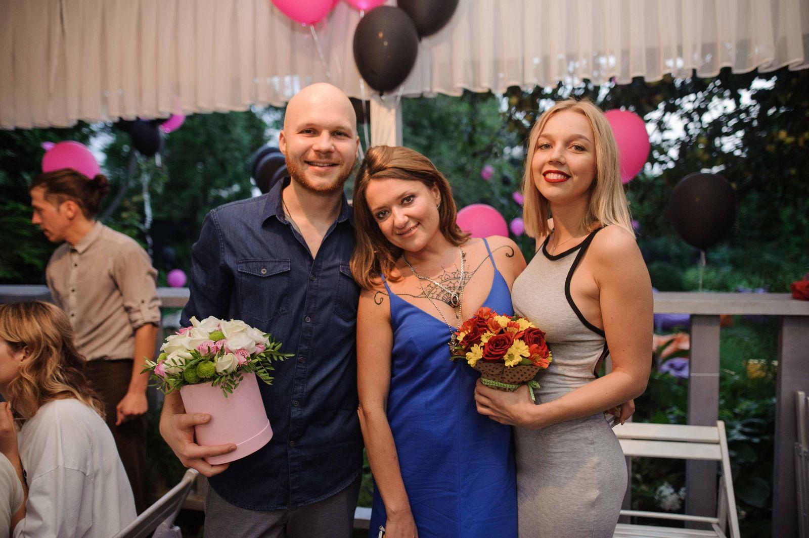 Наталья Могилевская устроила шумную вечеринку у бассейна