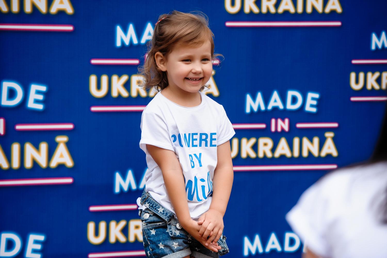 Участник Квартала 95 Артем Гагарин с женой и детьми побывал в Юрмале