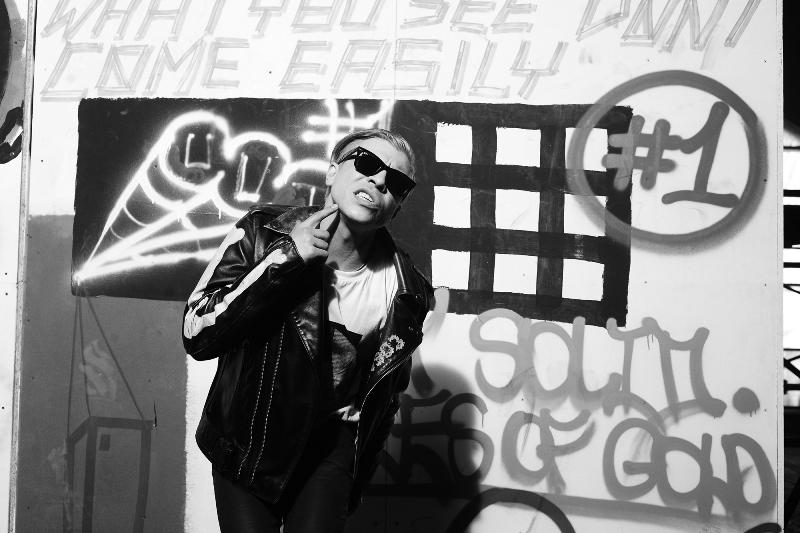Экс-участники Quest Pistols сняли новый сумасшедший клип