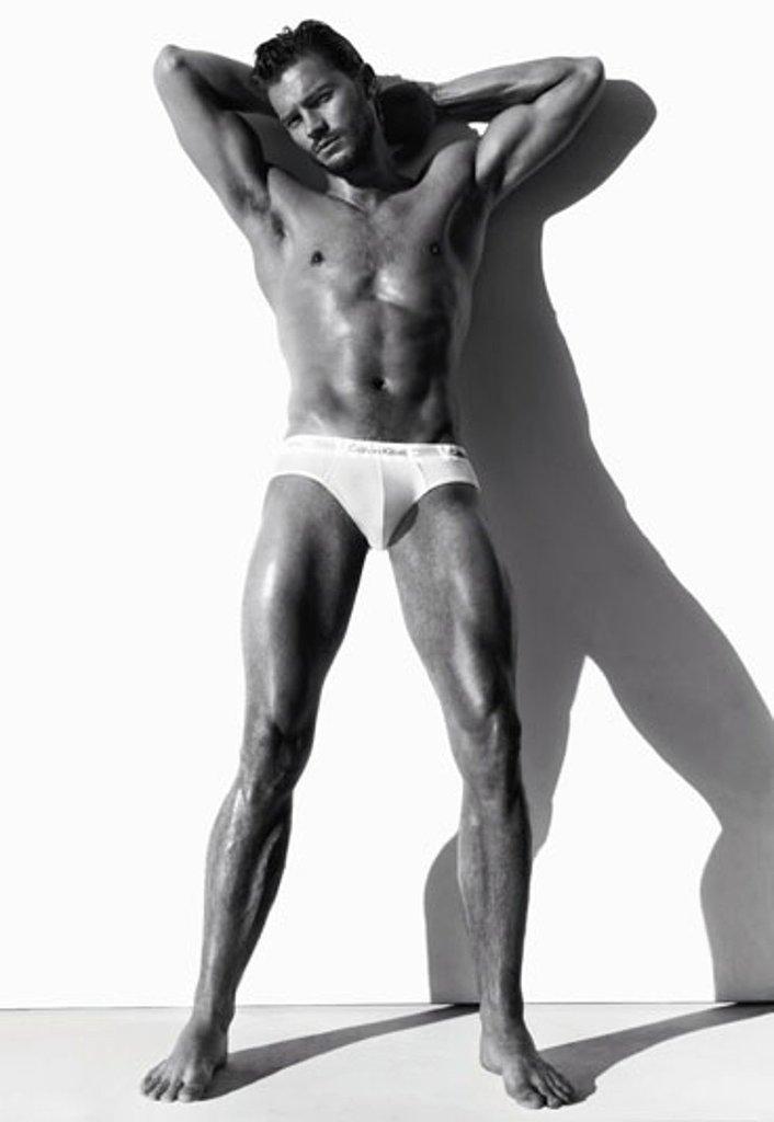 Джейми Дорнан признан самым сексуальным мужчиной года