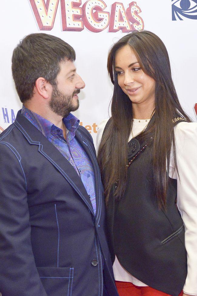 Михаил Галустян жена фото