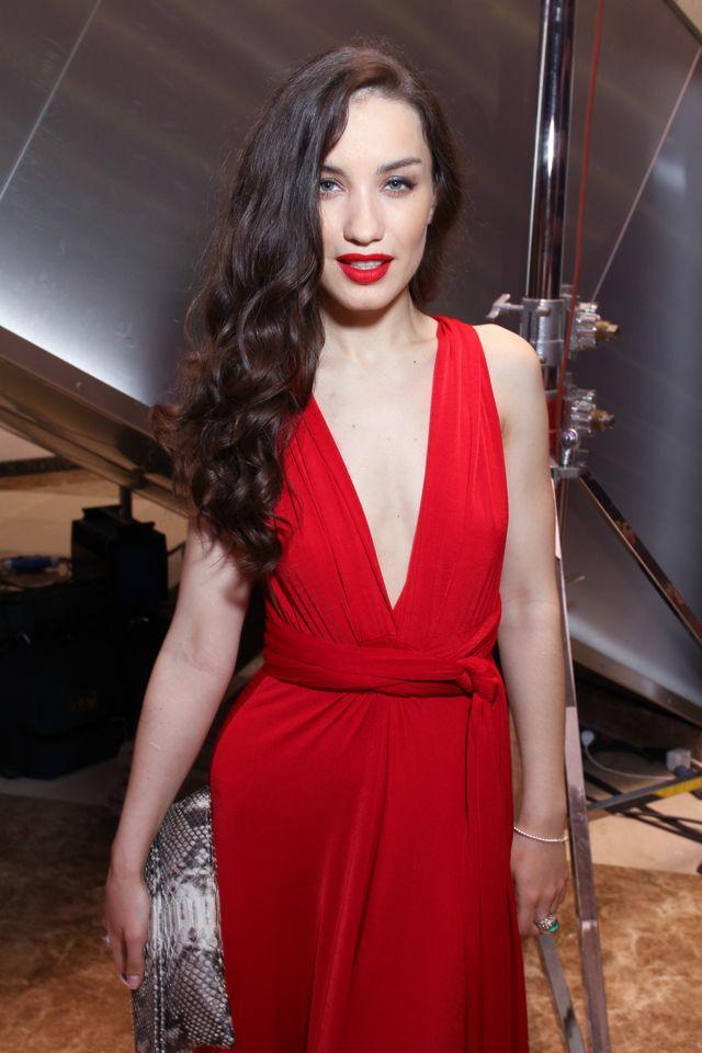 Платья с красной помадой фото