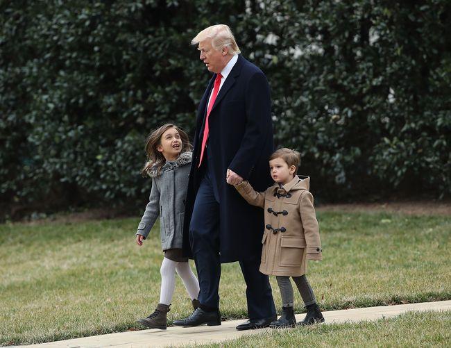Дональд Трамп с внуками