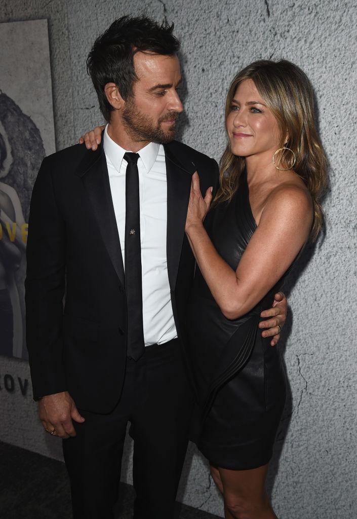 Стильный выход: Дженнифер Энистон и Джастин Теру блистают на премьере в Лос-Анджелесе