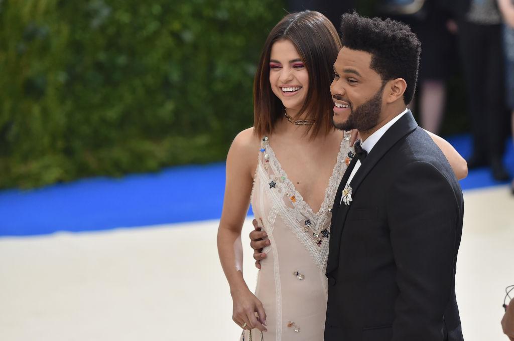Селена Гомес и The Weeknd впервые вместе вышли в свет